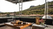 crewed-charters-greece-lagoom-l